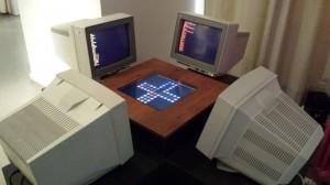 """Vier gewinnt: Das Spiel heißt ja eigentlich """"Mensch ärgere Dich nicht"""". Der Computerspieler guckt deshalb (Achtung: Wortspiel!) in die Röhre."""