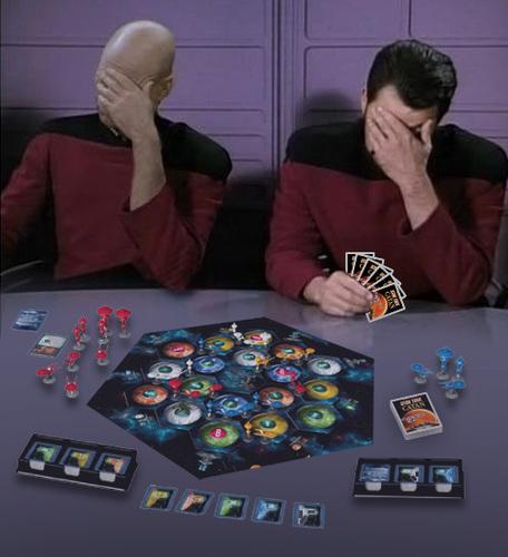 """unsere Tester sind begeistert, auch wenn dieses Bild etwas anderes vermuten lässt. Denn Mitspieler Worf (nicht im Bild) weigert sich seit Stunden standhaft, die geforderte """"Ähre"""" herauszugeben."""