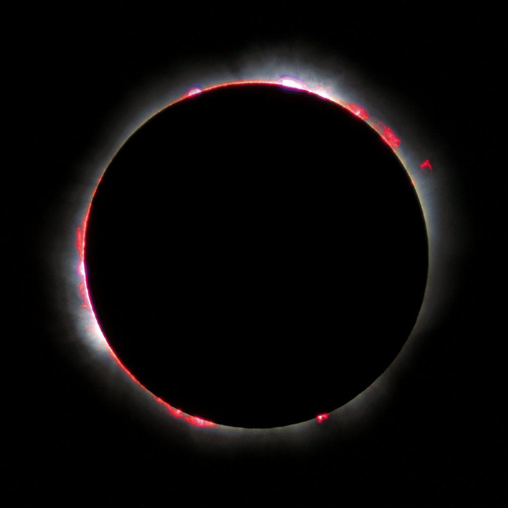 Das ist nicht etwa der Blick in Saschas Seele (obwohl leicht zu verwechseln) sondern die Sonnenfinsternis von 1999. Jedenfalls so, wie Luc Viatour / www.Lucnix.be sie gesehen hat. Wir - soviel sei verraten - hatten eher trübe Aussichten